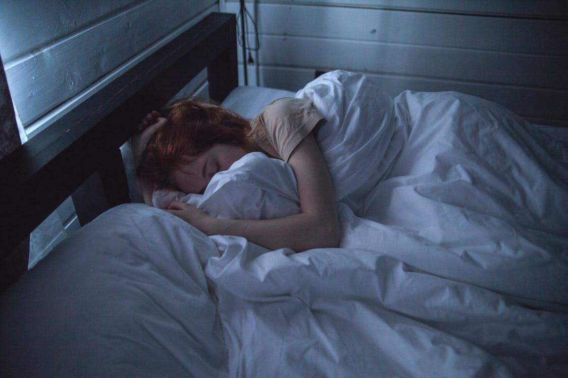 Nielen kvalitné matrace. Pre lepší spánok je dôležitý aj dokonalý vankúš